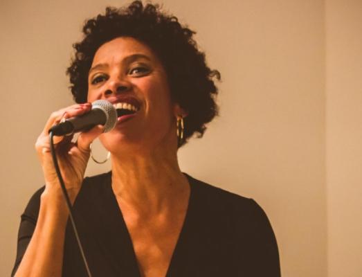 Rosa Emilia Dias canta Elis Regina
